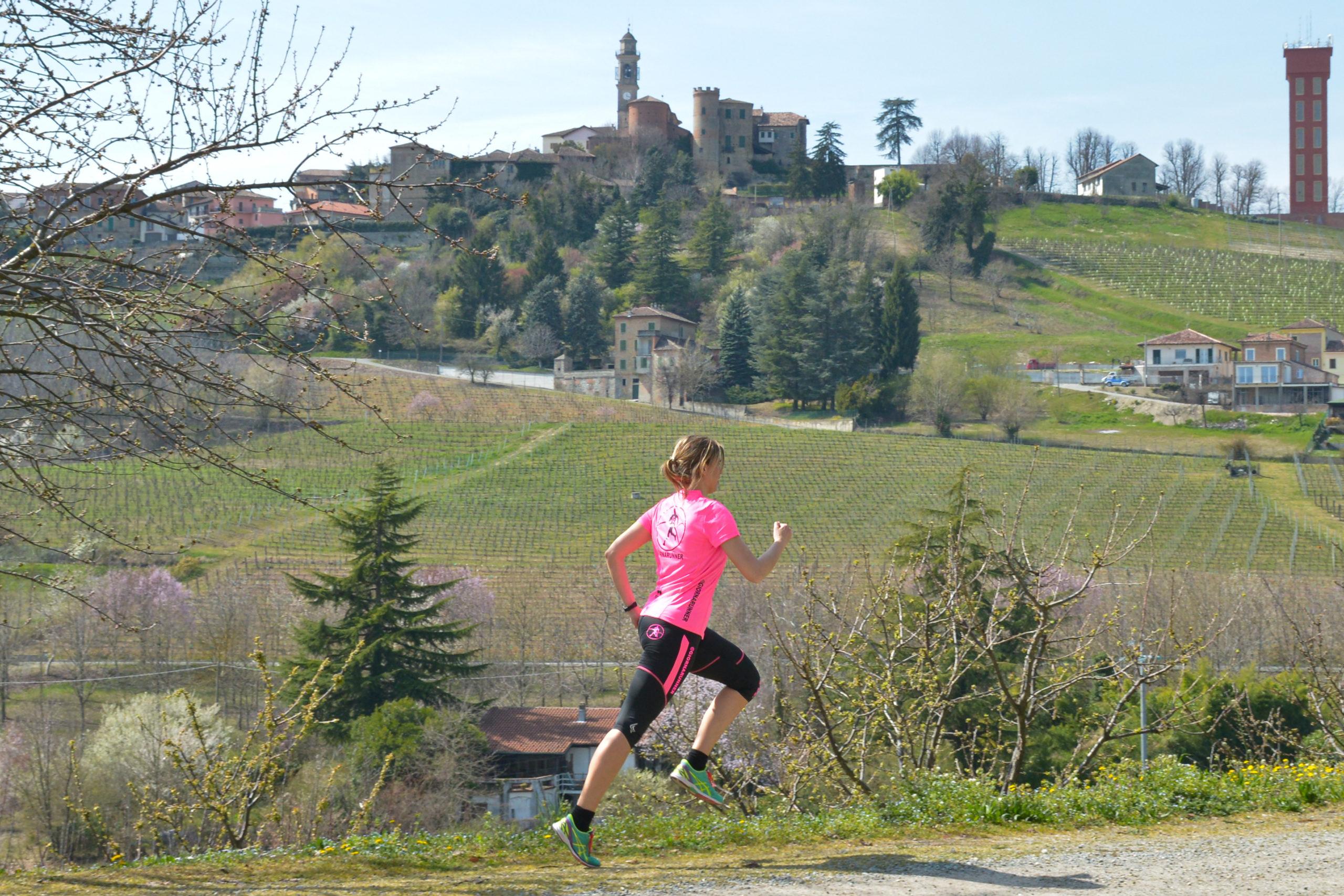 I colori della primavera tra Roero e Monferrato