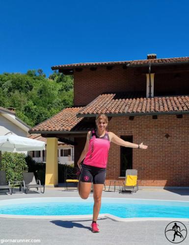 Stretching a bordo piscina a Villa Firmino