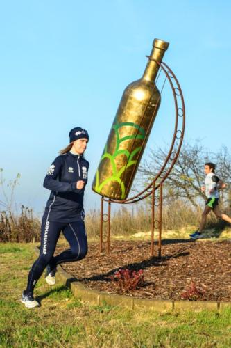In compagnia alla Bottiglia Gigante del Comune a Mombercelli