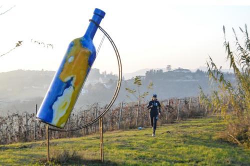 La bottiglia gigante numero 2 di Mombercelli
